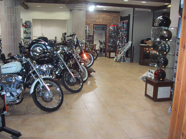 Car and Bike Showrooms 1